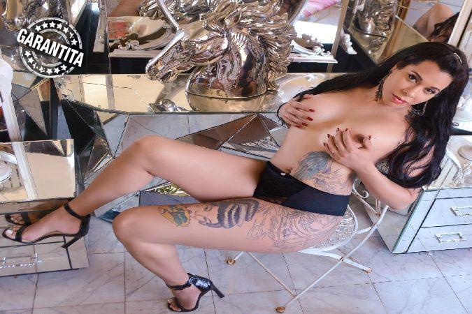 girls Lucca